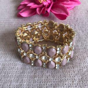 Jewelry - Stretchable elegant mauve bracelet.